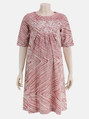 Onion Pink Printed and Embroidered Viscose-Cotton Maternity Top