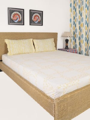 White Printed Cotton Bed Cover Set